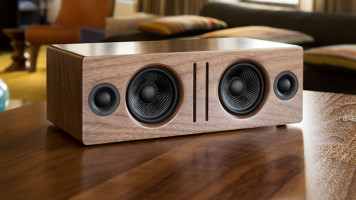Choosing-Bluetooth-Or-Wired-Speakers-featured